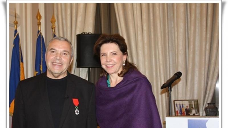 """EXCELENTA: Presedintele Frantei l-a numit """"Cavaler al Ordinului Național al Legiunii de Onoare"""" pe Directorul Teatrului National RADU STANCA din Sibiu, Constantin Chiriac"""