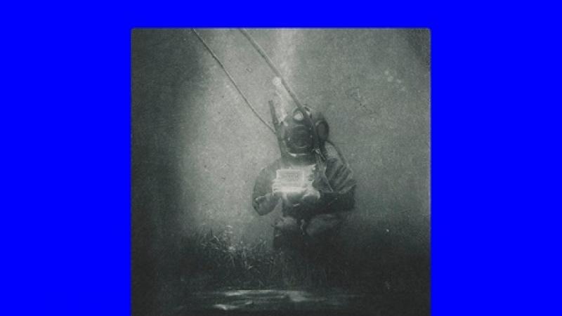 Prima imagine subacvatica din istoria fotografiei. Scafandrul- un roman celebru!