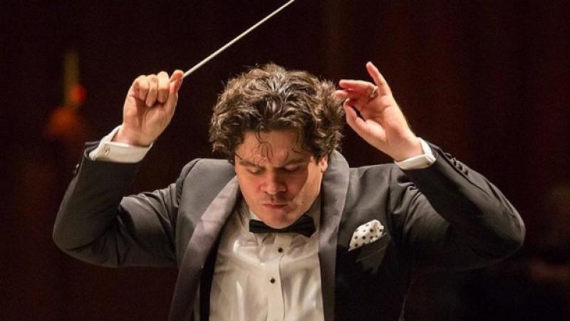 """WOW! Dirijorul Cristian Măcelaru, proaspat castigator al Premiului Grammy, va dirija orchestra """"New Japan Philharmonic"""""""