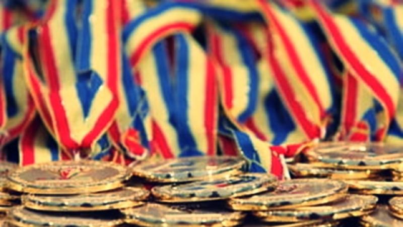 """21 medalii de aur, 19 de argint si 6 de bronz pentru inotatorii de la CSM PLOIESTI, la Cupa """"Ziua Nationala a Inotului""""!"""
