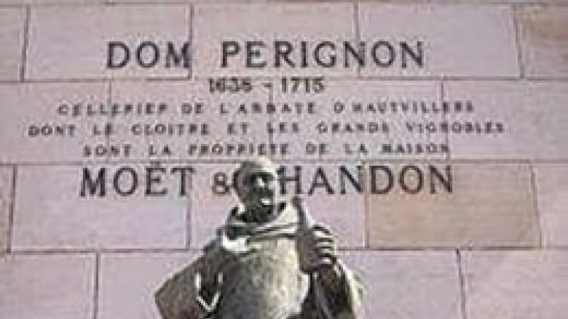 Licoarea nobila care a cucerit lumea! 4 AUGUST 1693 - 327 DE ANI DE LA INVENTAREA SAMPANIEI