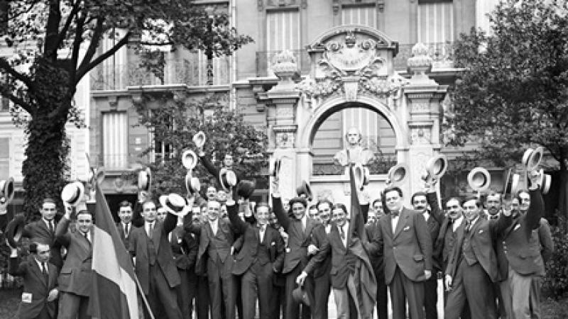 1916: Studenti romani la Sorbona
