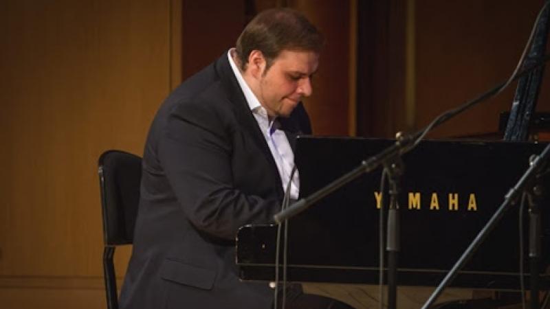 "WOW! CE VESTE MINUNATA: Sorin Zlat, pianistul Ploiești Jazz Trio, desemnat ""ARTIST YAMAHA"""