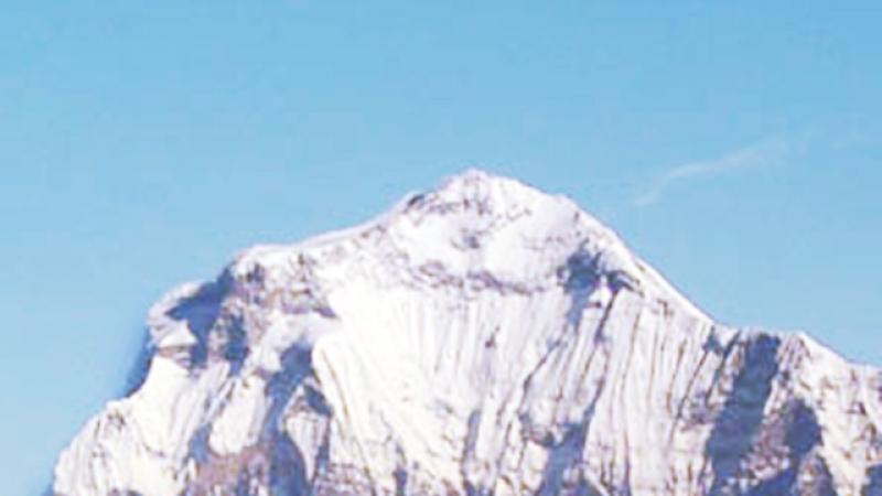 Vesti din tinutul abisal al Himalayei! Expeditia lui Horia Colibasanu continua!