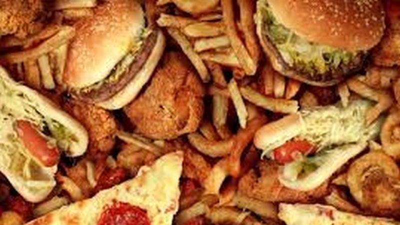 Unele alimente ne imbatranesc pielea si organele