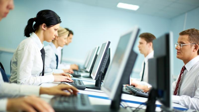 Angajatii din Romania se adapteaza, asimiland noile forme de munca/gig economy